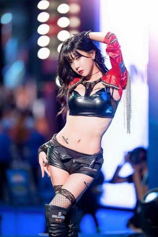Ngất ngây trước vẻ đẹp nóng bỏng của nữ streamer đẹp nhất Hàn QuốcNgất ngây trước vẻ đẹp nóng bỏng của nữ streamer đẹp nhất Hàn Quốc