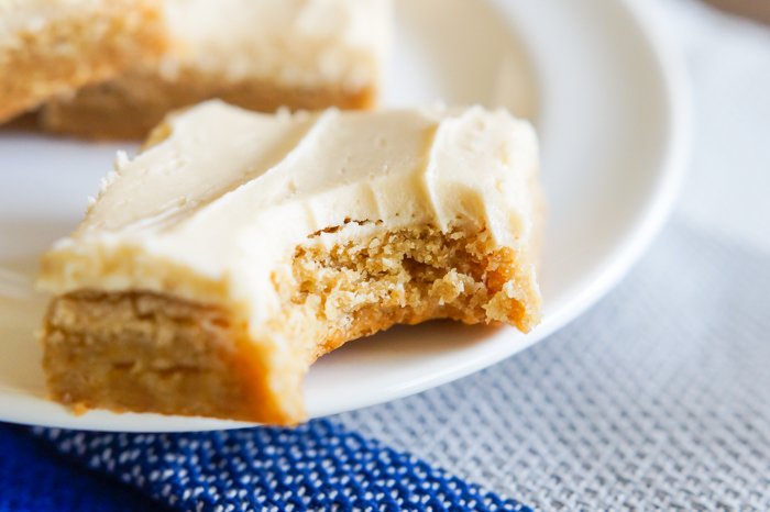 frosted hazelnut cappuccino bars