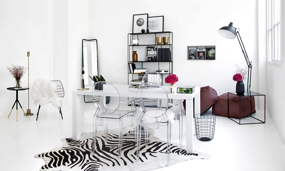 A FAMILY LOFT IN BLACK AND WHITE / UN LOFT FAMILIAR DECORADO EN BLANCO Y NEGRO