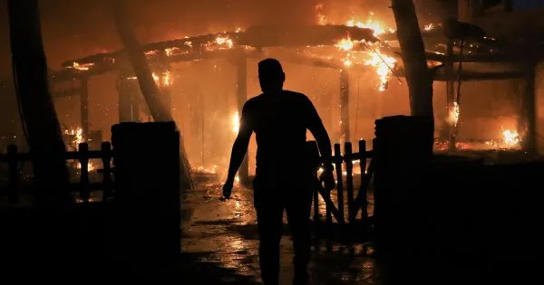 Εκκενώνεται από τον πληθυσμό του το Κρυονέρι με κυβερνητική εντολή - Αδυνατούν να συγκρατήσουν την φωτιά