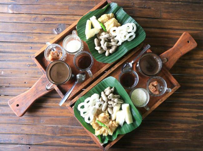 Xvlor Pak Rohmat Menoreh Coffee Shop in authentic Javanese culture dish