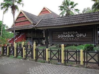 wisata bersejarah di makassar yaitu Benteng Somba Opu