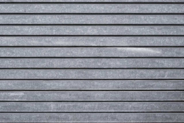 Fat horizontal metal gate texture