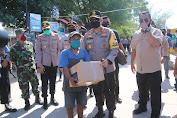Kapolda NTB Bagikan Paket BALASA di Gili Matra Lombok Utara