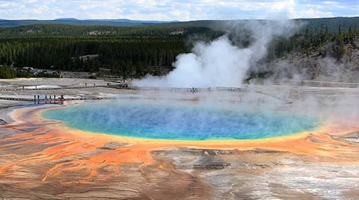 La NASA quiere perforar 10 km hacia abajo en el Supervolcán Yellowstone para 'salvar' al mundo