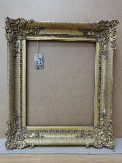 Antique Frame Victorian With Ornate Rococo Corners