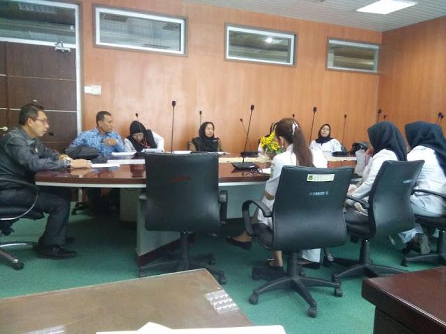 ASN RSUD Dr Pirngadi Demo Kantor Walikota Dan DPRD Medan