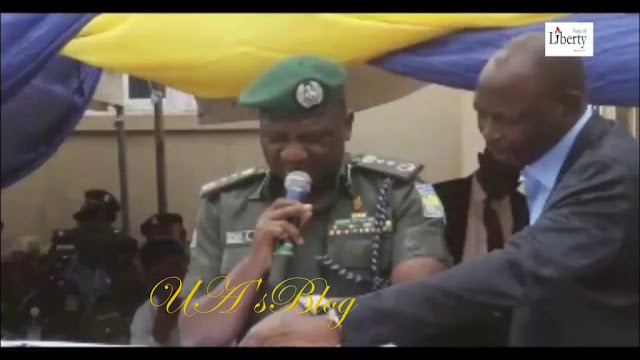 Shameful!! IGP, Idris Disgraced Himself, Couldn't Read His Own Speech In Public? (Video)