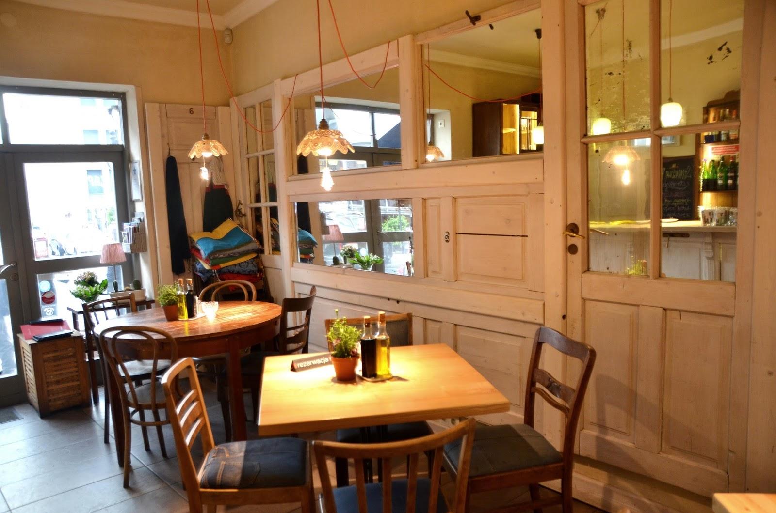 Restauracja duży pokój w Krakowie