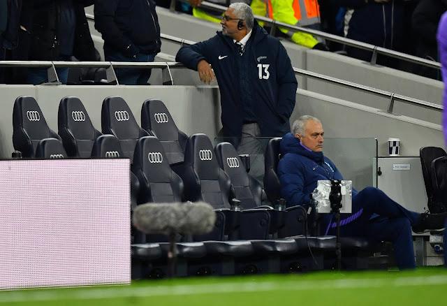 """BÌNH LUẬN: Ai cho Mourinho """"lương thiện""""? 4"""