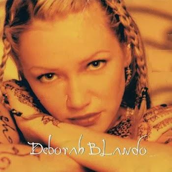"""Deborah Blando na capa do disco """"Deborah Blando"""", de 1998"""