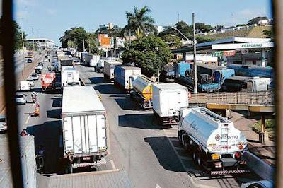 Artigo: tabelamento de frete pode provocar nova greve dos caminhoneiros