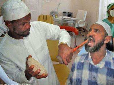 Lustiges Bild Zahnbehandlung im Nahen Osten