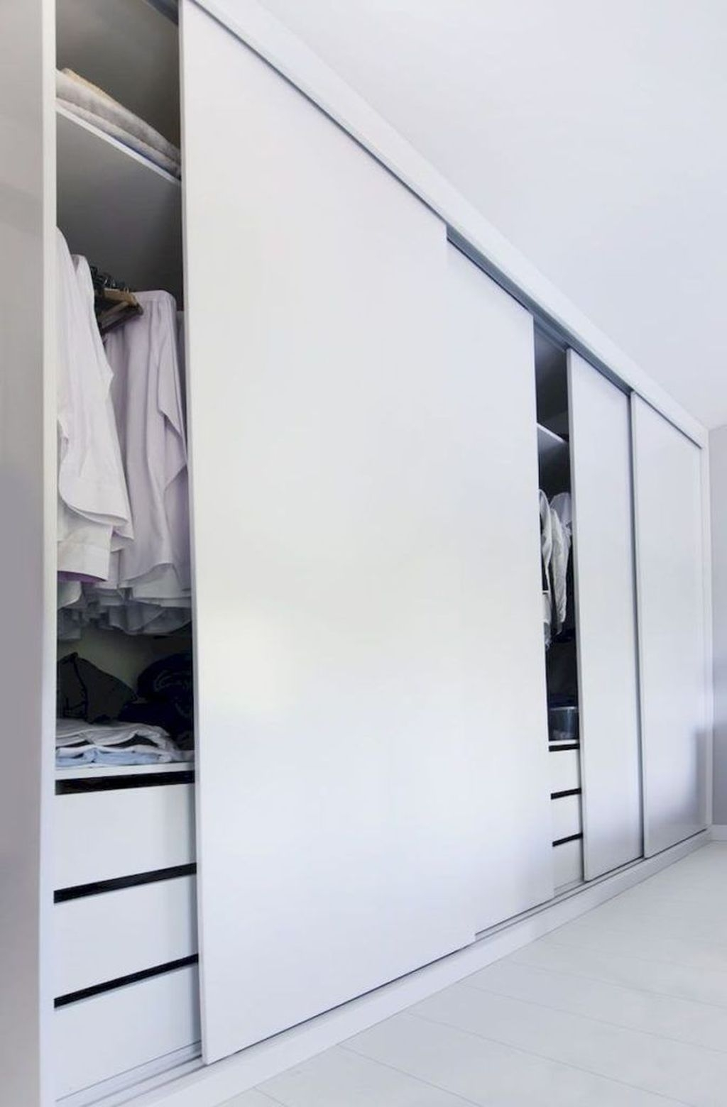 phòng ngủ có tủ âm tường 1