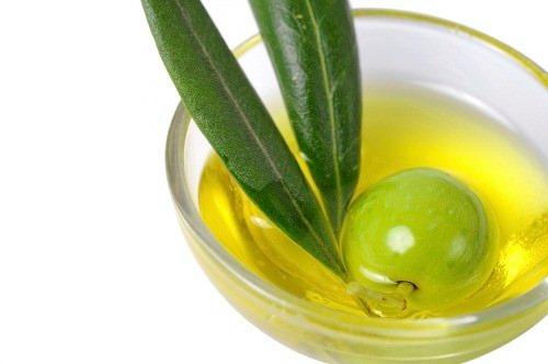 5 phương pháp chăm sóc tóc hiệu quả từ dầu oliu