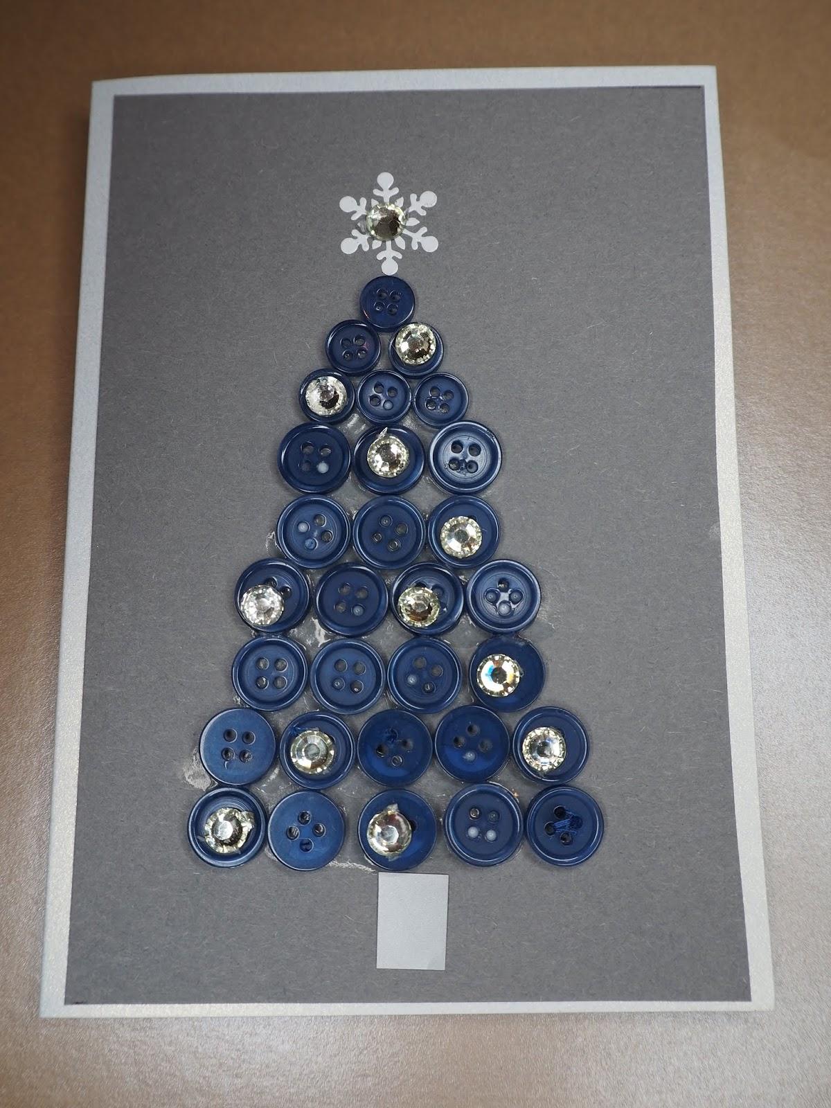 Joulukorttiaskartelua kierrätysmateriaaleista