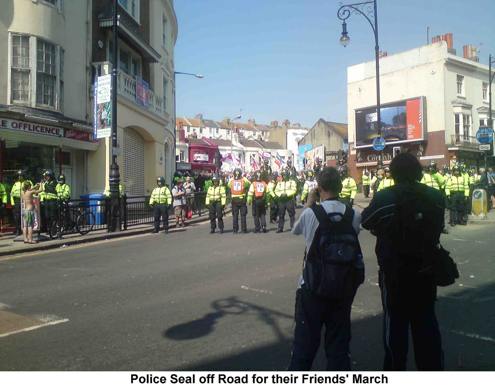 Tony Greenstein's Blog: Police Force Fascist March Through