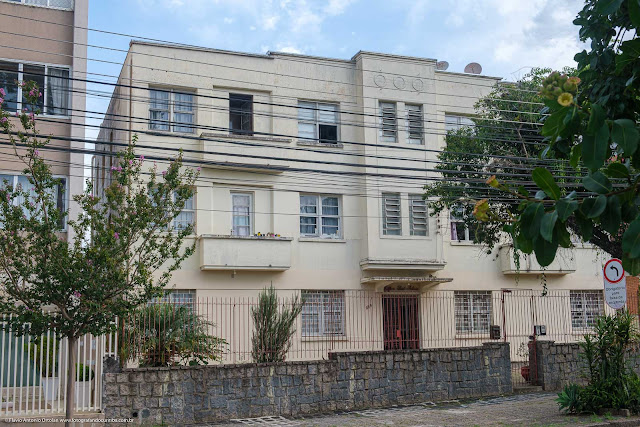 Edifíco Santo Antônio, na Rua Itupava