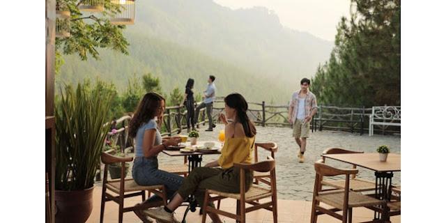 Tempat Makan di The Lodge Maribaya