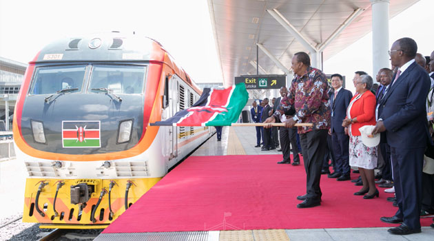 Madaraka express scheduled time and photos at the station