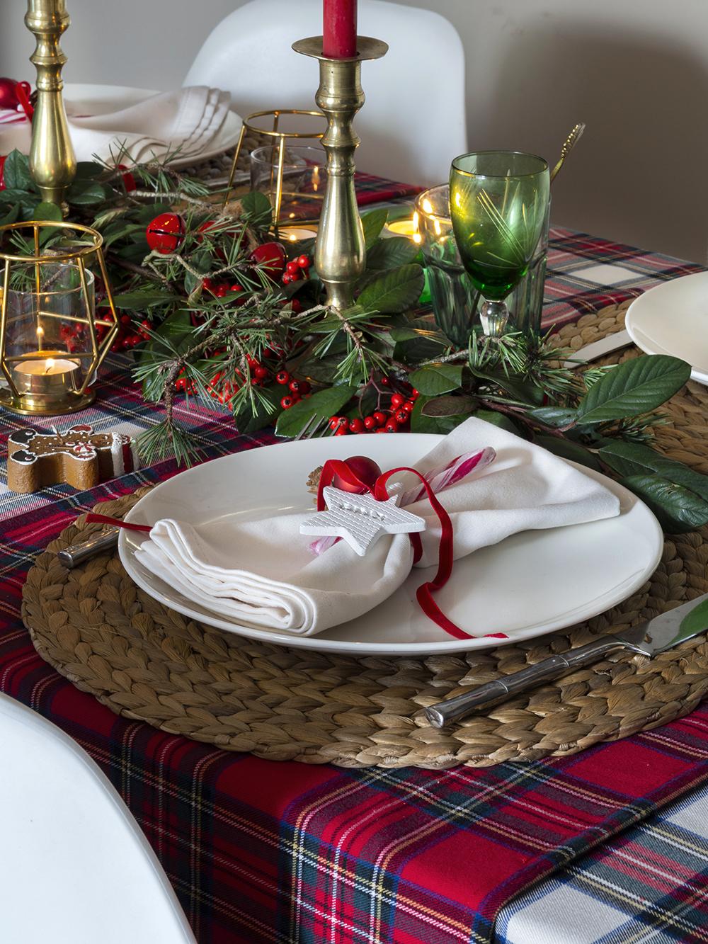 Nuestra mesa navideña en cuadros escoceses4