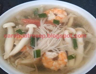 Foto Resep Sup Jamur Enoki Udang Sayur Wortel dan Buncis Kuah Bening Segar Sederhana Spesial Gurih Asli Enak