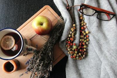Jesienna biżuteria, naszyjnik, jesienna ceramika