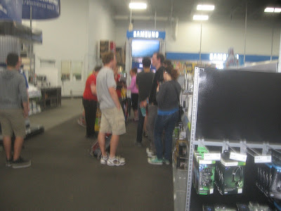 Nintendo Access Super Mario Maker @ Best Buy event line size