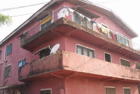 father throws daughter building lagos