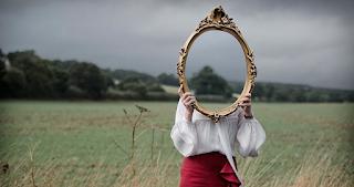 Χαμηλή αυτοεκτίμηση: Από που πηγάζει και πώς να την αντιστρέψετε