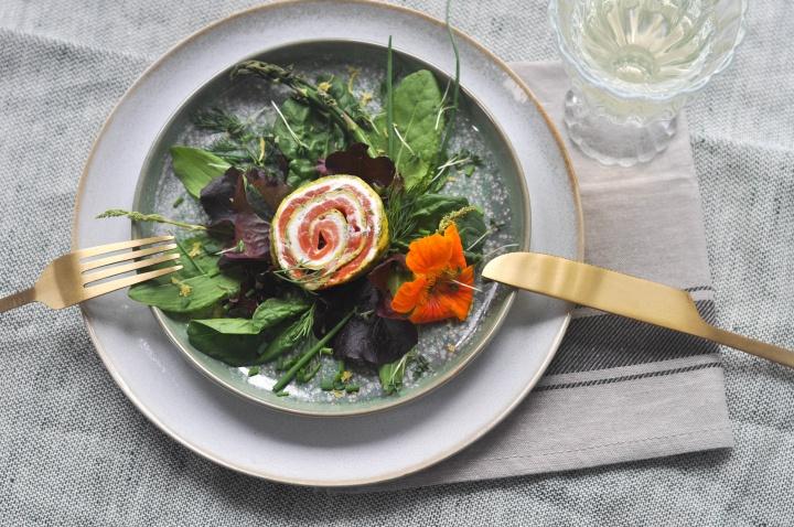LiebesSeelig: Leichte Sommerküche: Räucherlachsrolle