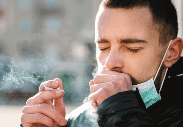 أسباب خطورة فيروس كورونا على المدخنين