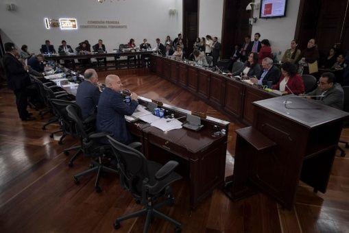 FARC pide justicia al Gobierno colombiano en primer debate