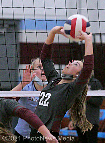 Unity's Maddie Reed sets the ball