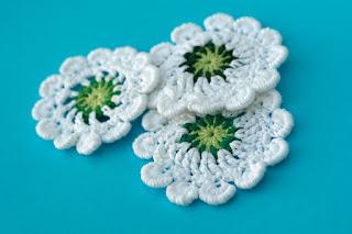 Hand crocheted dandelion flower applique by TomToy