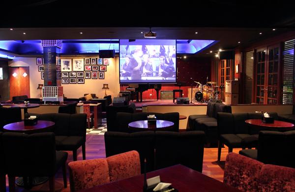 Begini Cara Membedakan Bar, Lounge, Pub, Diskotik, dan Club