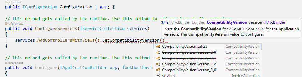 Intellisense mostrando el método SetCompatibilityVersion()