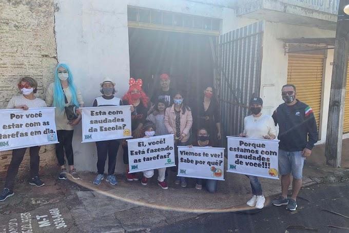 ALUNOS-DESTAQUE SÃO HOMENAGEADOS POR PROFESSORES DE UMUARAMA