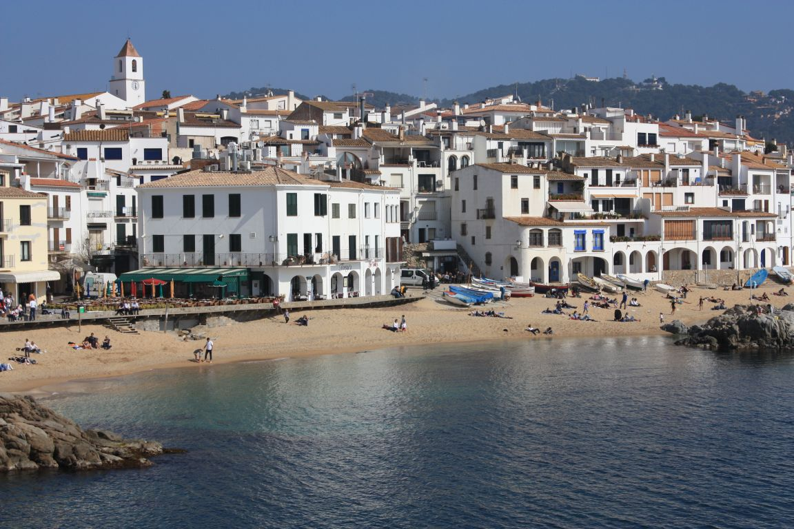 Catalonia costa brava beaches and villages beautiful - Calella de palafrugell office tourisme ...