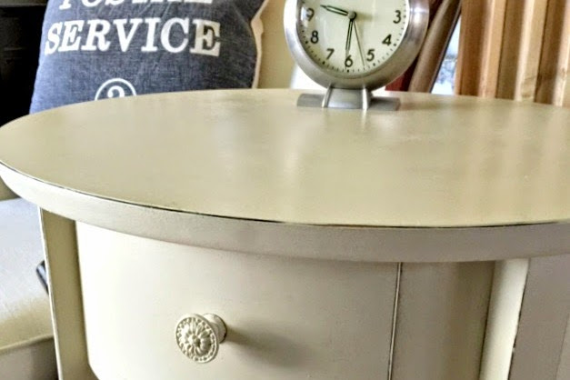 A Quick and Easy Table Makeover
