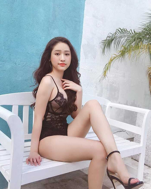 """Những mỹ nhân """"chín ép"""" ồn ào nhất showbiz Việt"""
