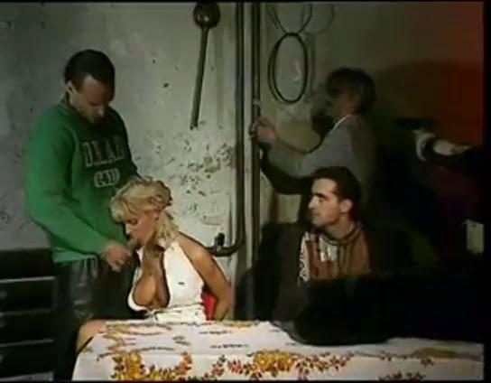 فيلم فتاة العشيرة A Garota do Clã 1995 كامل