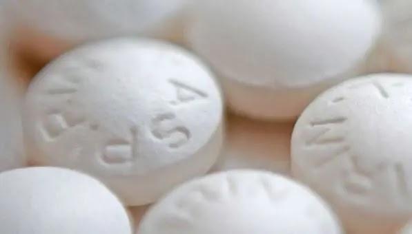La aspirina ayuda a algunas mujeres con cáncer de mama