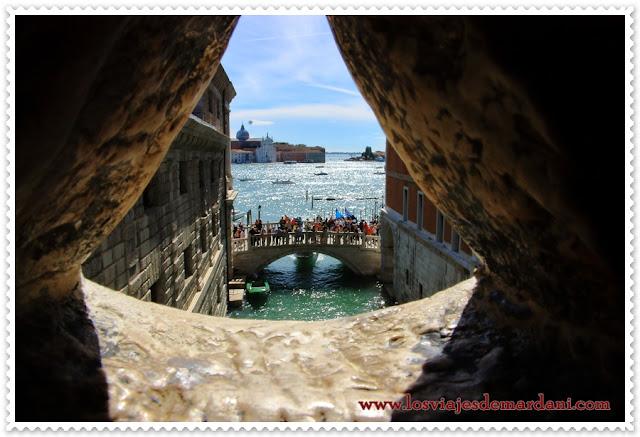 Vista desde el puente de los Suspiros