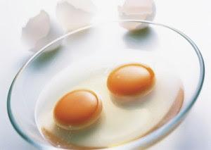 ไข่ขาวพอกหน้า