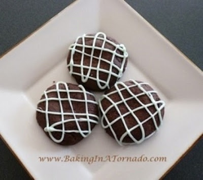 Hidden Peppermint Patty Cookies| www.BakingInATornado.com |  #recipe