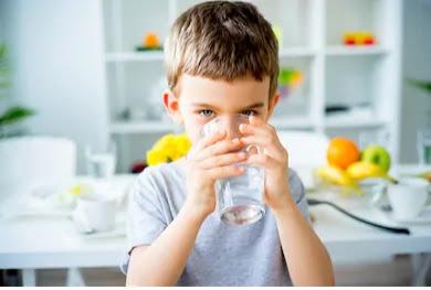 खाली पेट गर्म पानी पीने के फायदे,Benefits of drinking empty stomach hot water