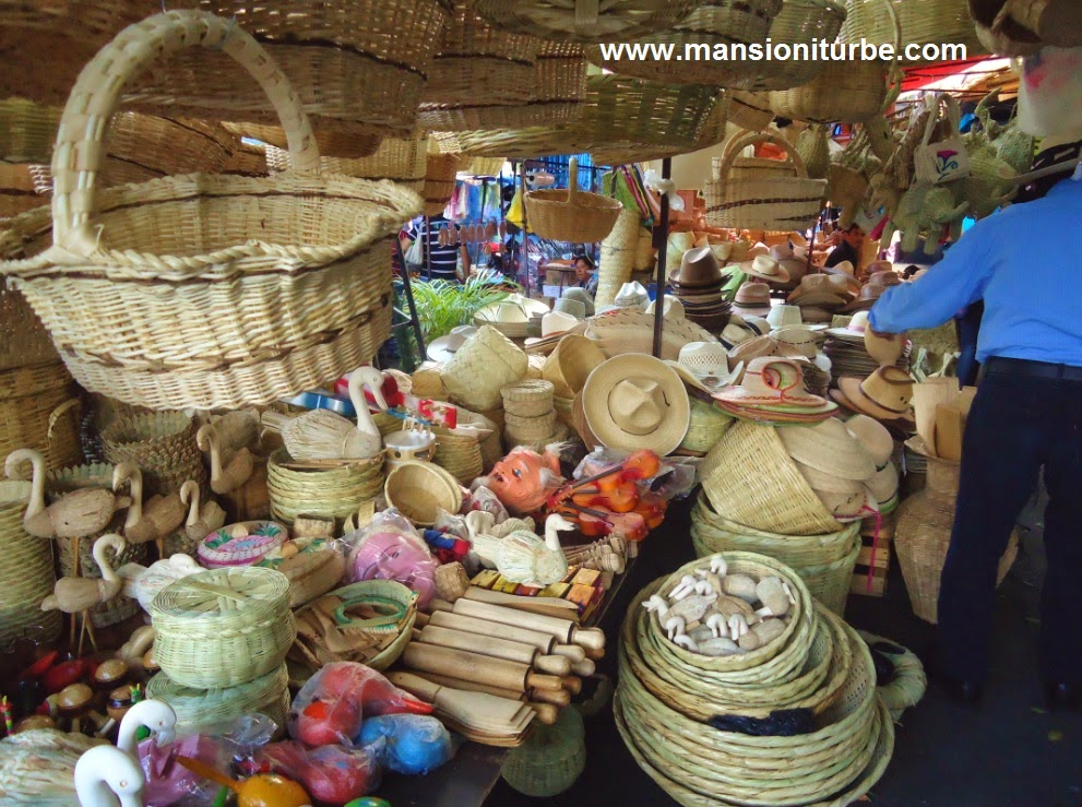 Artisanware at the Marketplaces of Patzcuaro