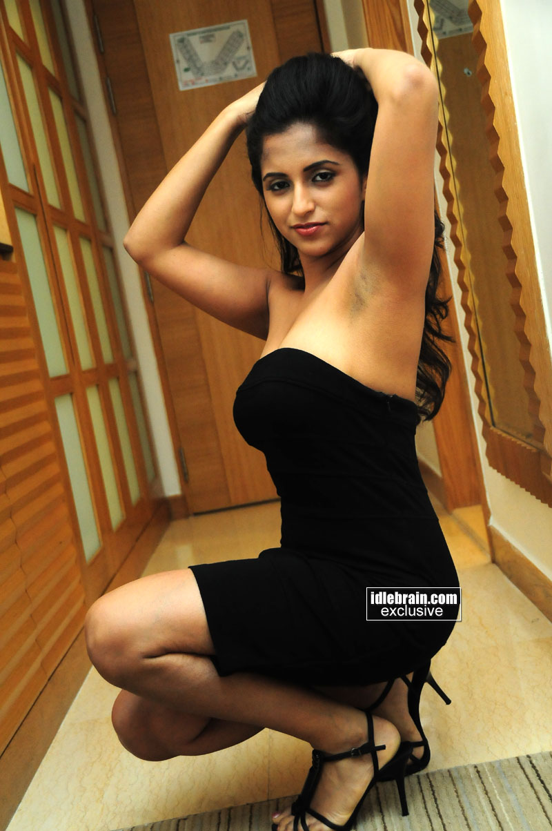 Indian Actress Ashika Actress Hot Black Dress Boobs And -3857