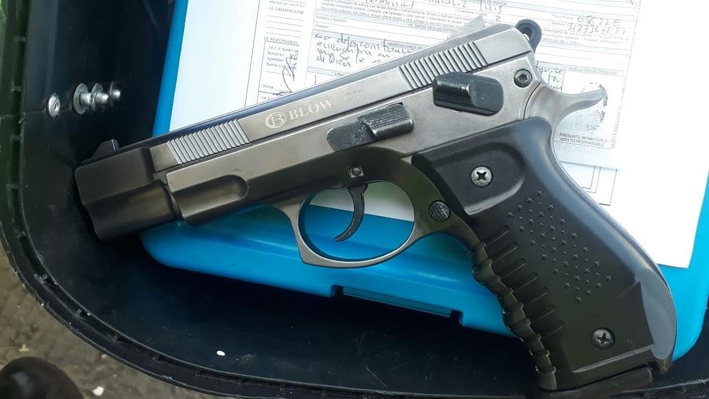 hoyennoticia.com, Incautan cinco pistolas traumáticas